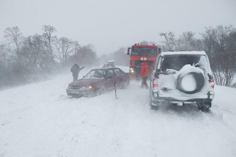 Через негоду рятувальники ДСНС працюють цілодобово