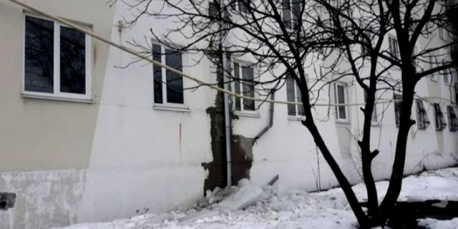 Брила льоду перебила газопровід житлового будинку