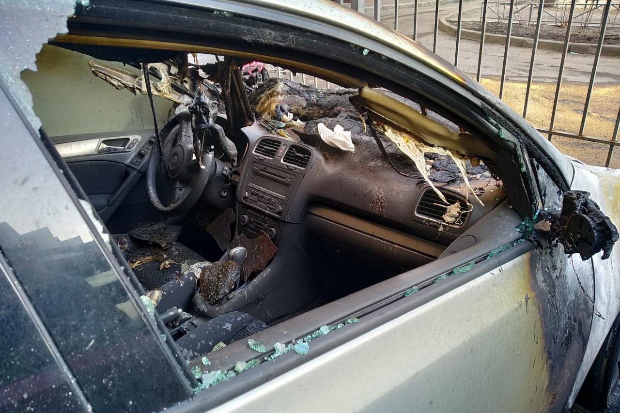 За ніч у Харкові згоріло сім машин