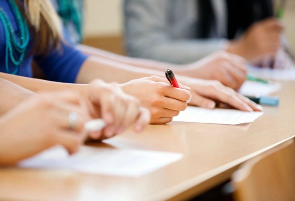 Майбутні випускники реєструються для участі в ЗНО