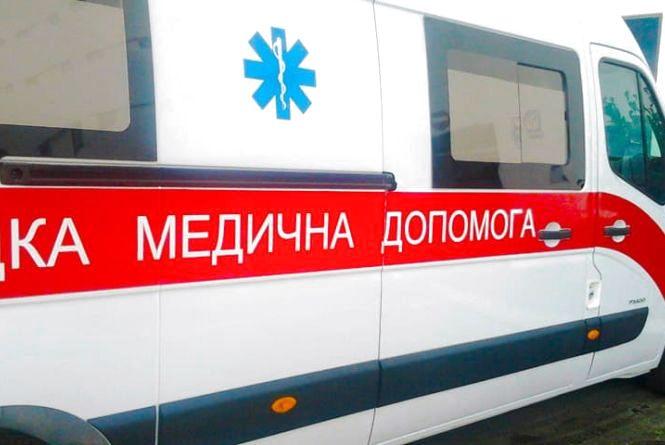 Дівчина, яка потрапила під трамвай, залишається у комі