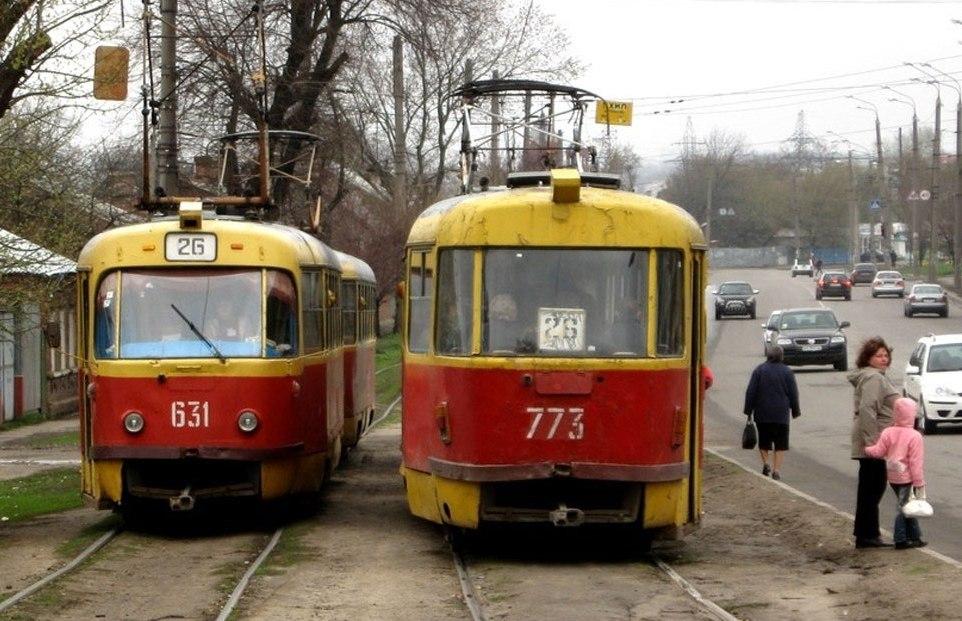 Трамваї змінюють маршрути через ремонт колій