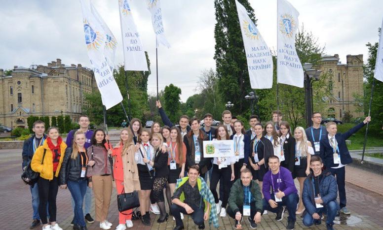 Харківські школярі перемогли на Всеукраїнському конкурсі наукових робіт