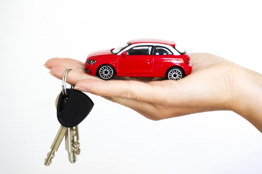 Минулого місяця харків'яни економили на покупці нових авто