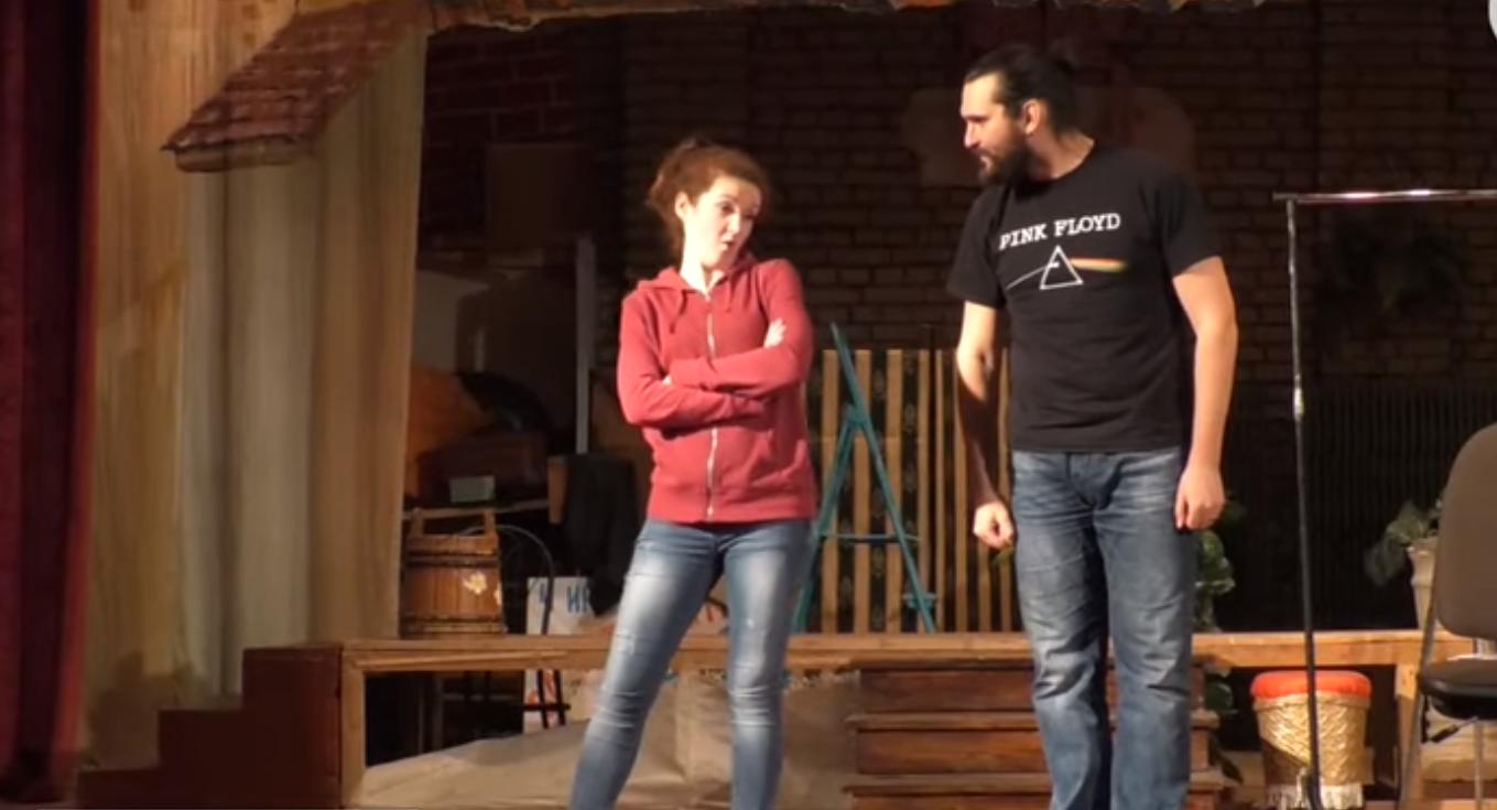 У самодіяльному театрі ставлять виставу жестовою мовою