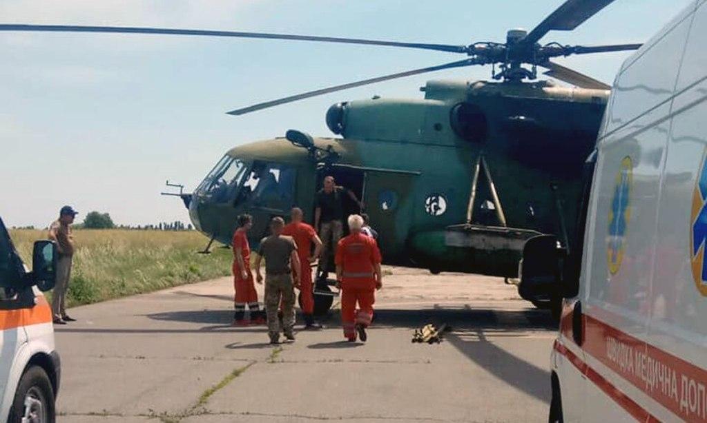 До Харкова авіацією доставили поранених військових