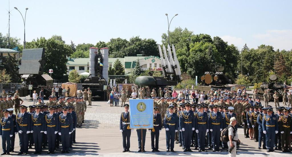 У Харкові відбувся урочистий випуск офіцерів