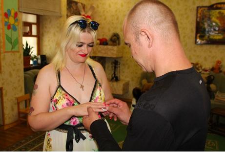 Незвичне весілля в Харкові – молоді побралися в колонії