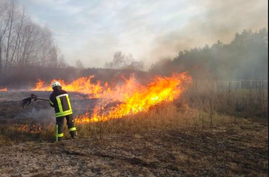 Спека та необережне поводження з вогнем спричиняють пожежі